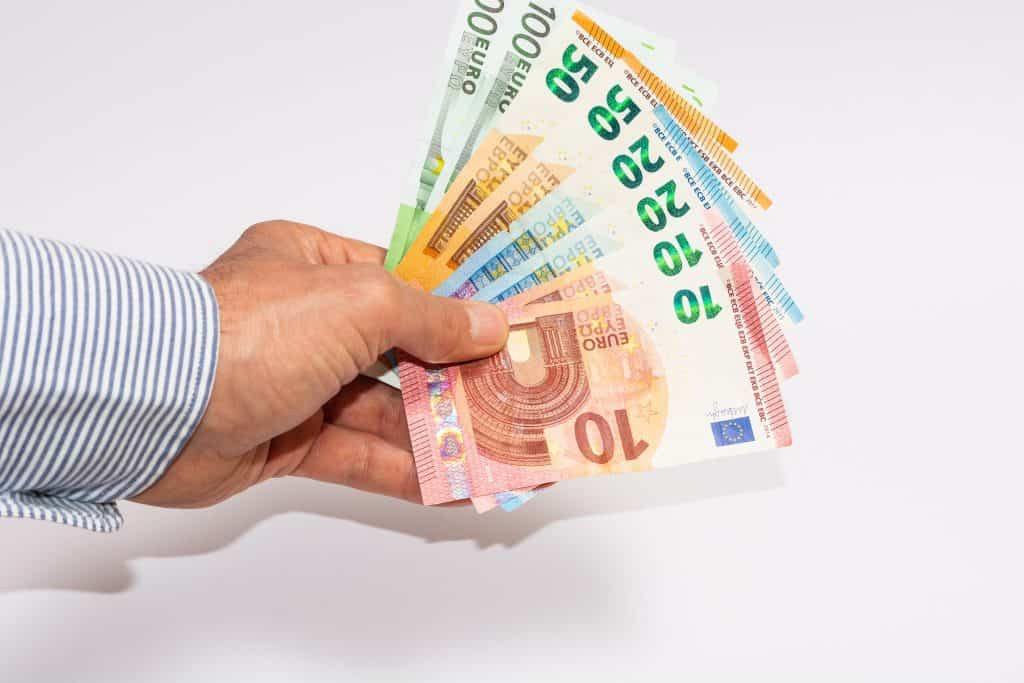 Novac na kamatu